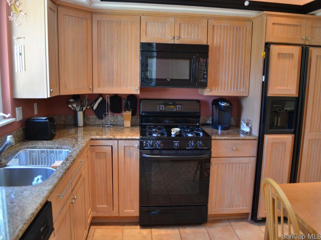 1827 Middle Gulf Drive Kitchen