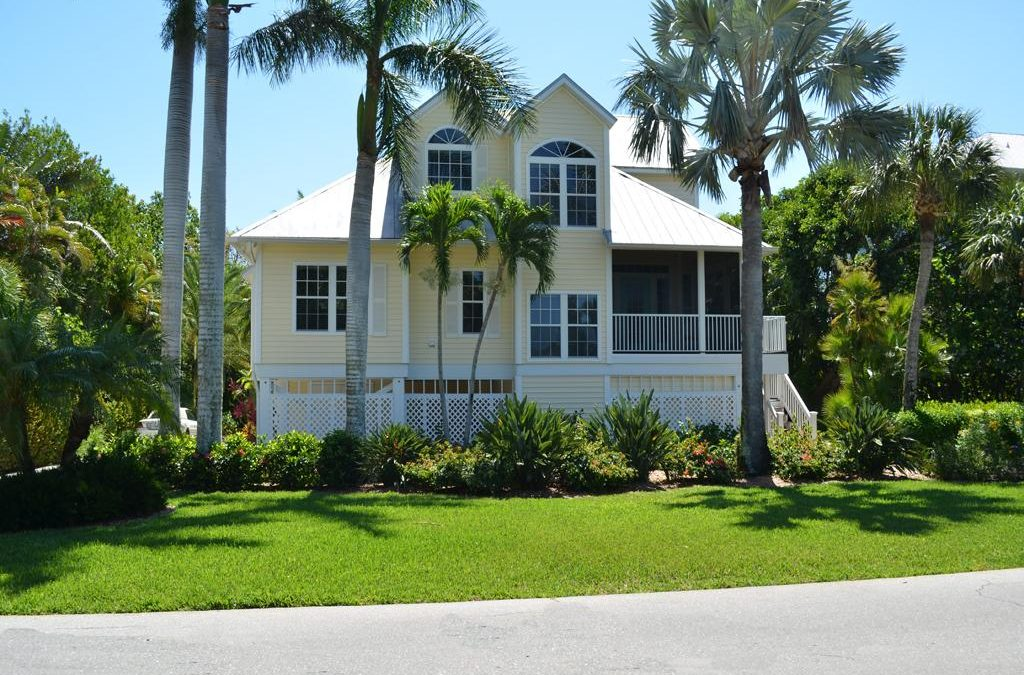 Sanibel Island Lakefront Near-Beach Pool House – Yes, It's Real!