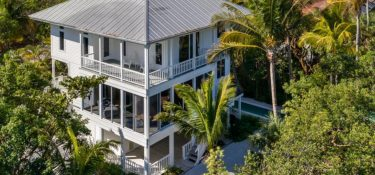 Sanibel Home For Sale: Don't Miss This Boater's Dream!