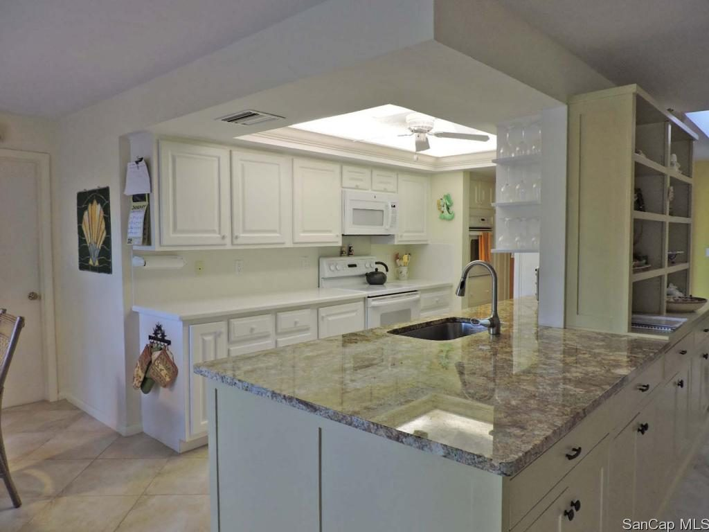 993 Fish Crow Road kitchen