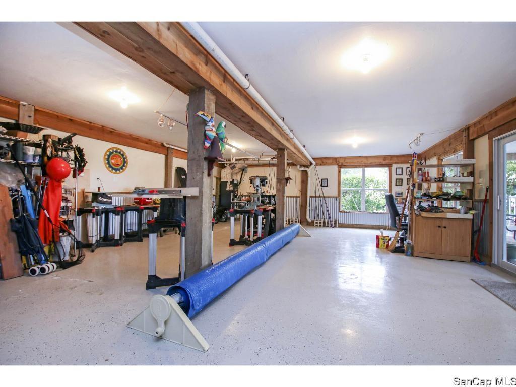 garage 1653 Hibiscus